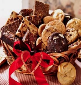 """< img src=/""""cookie-basket.jpg""""alt=""""cookiebasket""""/>"""